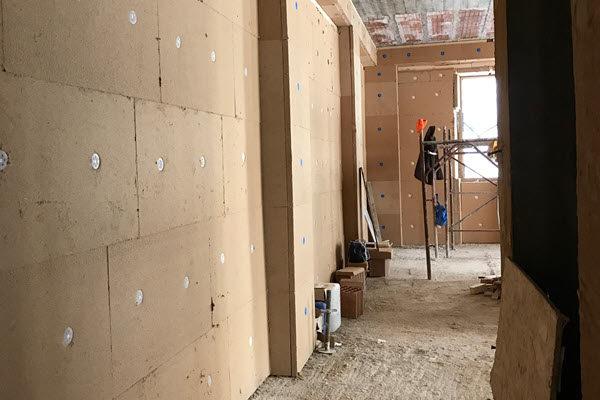 costruire con l'argilla e con il legno